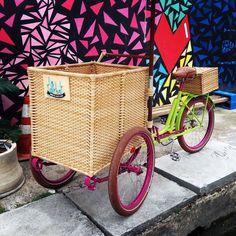 Pri   Olé + Le Sorbet I | Olé Bikes I Bicicletas, Triciclos e Food Bikes personalizados Ice Cream Business, Coffee Business, Clown Bike, Vendor Cart, Food Cart Design, Bike Cart, Bike Food, Mobile Food Trucks, Art Supplies Storage
