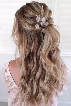 Bridesmaid Hairstyles Half Up Half Down, Bridesmaid Hair Down, Simple Wedding Hairstyles, Bridesmaid Ideas, Medium Hair Styles, Long Hair Styles, Corte Y Color, Wedding Bride, Wedding Veils