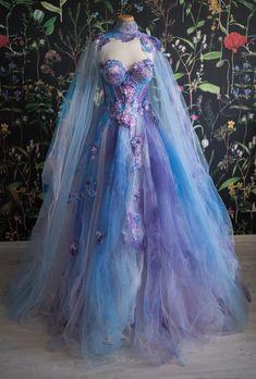 Elegant Dresses, Pretty Dresses, Beautiful Dresses, Crazy Dresses, Amazing Dresses, Beautiful Models, Fairytale Dress, Fairy Dress, Ball Dresses