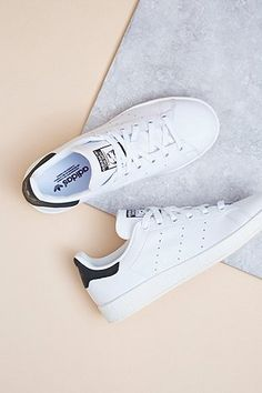 new product 1b655 09391 adidas Originals Stan Smith Black and White Trainers Adidas Stan Smith  Noir, Stan Smith Blanche