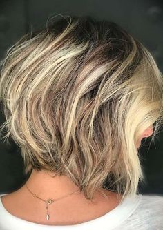 Just visit here to see our latest ideas of short haircuts to sport in current year. As we all know that there are so much variations in short hair cuts and modern ladies always want to wear some kind of unique haircuts just to get bold hair looks. So, we recommend you to see here and use to wear one of the best haircuts in 2020. Latest Short Haircuts, Short Haircut Styles, Cool Haircuts, Short Hairstyles For Women, Hairstyles Haircuts, Short Hair Lengths, Short Hair Cuts, Short Hair Trends, Fresh Hair