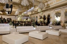 Hot,,,hot...hot - White Lounge furniture, whether in the ballroom, on a terrace or after party room
