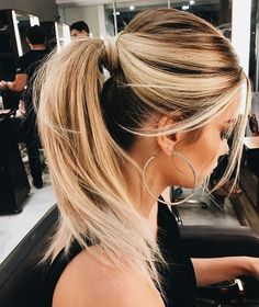 Hair color | Blonde | Ponytail | Hair do | Inspo | More on fashionchick.nl