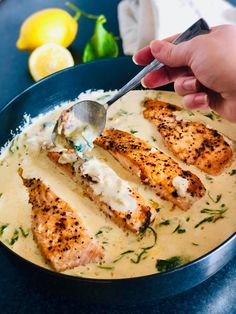 Salmon with creamy sauce - Salty lemon- Salmon with creamy sauce – Salty lemon - Oven Chicken Recipes, Cod Recipes, Gourmet Recipes, Dog Food Recipes, Healthy Recipes, Mexican Fish Recipes, Health Benefits Of Ginger, Lemon Salmon, Norwegian Food