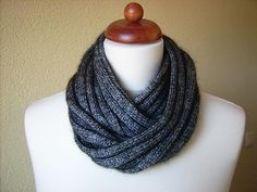 Looped Loop by Kirsten Johnstone free knitting pattern for sport weight cowl