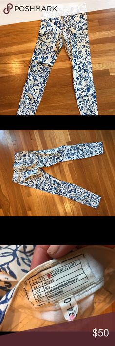 DVF x Current/Elliott High Waist Skinny Jeans Lightly worn, some areas of fading. Perfect for summer lovin'! Current/Elliott Jeans Skinny