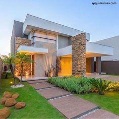 Exterior De Casas Contemporaneas Ideas For 2019 House Front Design, Modern House Design, Modern Exterior, Exterior Design, House Blueprints, Dream House Exterior, Modern House Plans, Facade House, Home Fashion