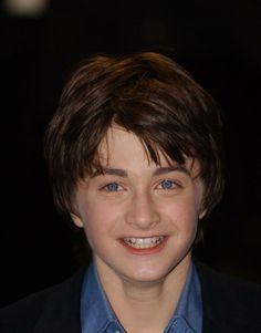 Harry Potter Evolution - Daniel Radcliffe (Harry Potter) -- First Daniel Radcliffe Harry Potter, Harry James Potter, Harry Potter Cast, Harry Potter Quotes, Harry Potter Characters, Harry Potter Books, Harry Potter Universal, Harry Potter Jk Rowling, Karel Gott