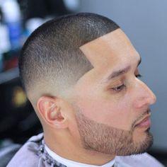 Buzz cut line up + beard shape Buzz Cut With Beard, Short Hair With Beard, Thick Beard, Beard Fade, Very Short Hair, Short Hair Cuts, Buzz Haircut, Waves Haircut, Popular Mens Haircuts