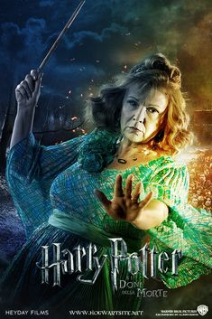 Molly Weasley - Deathly Hallows Extended by HogwartSite Molly Prewett Weasley's birthday is October 1949 Harry Potter Poster, Harry Potter Tumblr, Harry James Potter, Harry Potter Hermione, Mundo Harry Potter, Harry Potter Pictures, Harry Potter Universal, Harry Potter Characters, Harry Potter World
