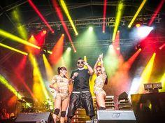 Sean Paul y sus chicas en el Rototom 2014 - byTHEFEST