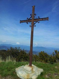 Ed eccoci sulla vetta del Monte Gottero mt 1639 Alta Via dei Monti Liguri. ..giornata magnifica, compagnia anche! :) 5/10/14