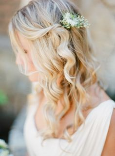 Loose Curls + Floral Pin #hairstyles  Photography: Lexia Frank Photography - www.lexiafrank.com  View entire slideshow: 20 Fresh Flower Hairstyles for Spring + Summer on http://www.stylemepretty.com/collection/271/