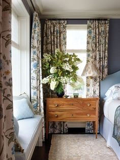 Sleep better using plants in your bedroom part of the Floral Patterns, Wallpaper, Fabric and botanical trend -   #floral #wallpaper #botanical #fabric #homedecor #homedecoration #home #decor #cushions #plants