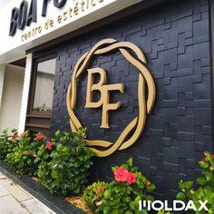 Boutique Interior, Showroom Interior Design, Boutique Design, Saloon Decor, Backlit Signs, Waiting Room Design, Shoe Store Design, Restaurant Signage, Spa Colors