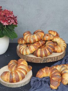 Jogurtové lekvárové hrebene Sausage, Cooking Recipes, Food, Basket, Sausages, Chef Recipes, Essen, Meals, Eten