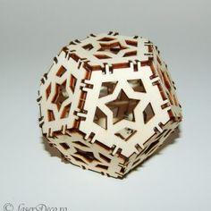 Glob 3D de craciun din lemn m1