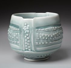 Marion Angelica, Celadon Dot bowl -she's a great instructor and credits Margaret Bowls for her knowledge of hand building Mehr Pottery Mugs, Pottery Bowls, Ceramic Pottery, Pottery Art, Thrown Pottery, Slab Pottery, Keramik Design, Sculptures Céramiques, Ceramic Sculptures