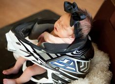 so cute...if Joel has a bike when this one is born :) @Sara Eriksson Eriksson Eriksson McDeavitt for baby Hutch!!!!