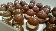 Suklaatilan emäntä teki laskiaispullat - suklaasta tietysti!