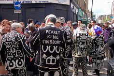 Pearly Kings and Queens, known as pearlies, are an organized charitable… Victorian Street, British Traditions, Kingdom Of Great Britain, Things To Do In London, Vintage London, North London, International Fashion, British History