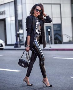 Legging Outfits, Black Leggings Outfit, Leder Outfits, Tribal Leggings, Leather Leggings Casual, Leather Pants Outfit, Classy Outfits, Stylish Outfits, Fashion Outfits