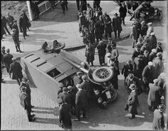 Ambulance Tips over on Stuart St., Boston | por Boston Public Library