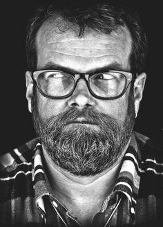 """#WinWin! Gewinnt 2 x 2 Tickets für """"Halt mal, Schatz!"""" von Jochen Malmsheimer in den Berliner Wühlmäusen - Yippiyayyeah! Er kömmt in die Hauptstadt! Hä, wer denn? Pardon, gleich. Ich muss mich kurz sortieren. Denn wer mich kennt, weiß: Die Verführer-Blog-Tanteist ein Riesenfreund des geschriebenen Wort http://www.v-mag.berlin/2015/05/28/winwin-gewinnt-2-x-2-tickets-fuer-halt-mal-schatz-von-jochen-malmsheimer-in-den-berliner-wuehlmaeusen/"""