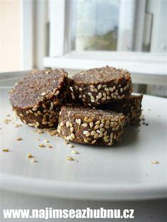 Jablčné doláre  zdroj: www.najimseazhubnu.cz Dessert Recipes, Desserts, Paleo, Sweets, Candy, Cookies, Chocolate, Baking, Health