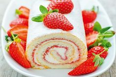 Strawberry Jam Swiss Roll www. - Food & Drink The Most Delicious Desserts – Culture Trip Strawberry Roll Cake, Strawberry Cake Recipes, Strawberry Swiss Roll Recipe, Strawberry Shortcake Roll Recipe, Strawberry Cake Decorations, Cake Roll Recipes, Dessert Recipes, Steak Recipes, Food Cakes