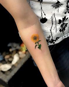 Pin by kyra davidson on ink sunflower tattoos, flower tattoos, sunflower . Trendy Tattoos, Love Tattoos, Unique Tattoos, Beautiful Tattoos, Body Art Tattoos, Small Tattoos, Tattoos For Women, Tatoos, Sunflower Tattoo Thigh