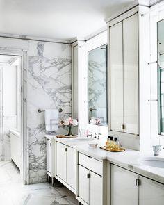 6,687 отметок «Нравится», 64 комментариев — House Beautiful (@housebeautiful) в Instagram: «It's official: Every bathroom needs marble walls.✨(📷: @stephenkentjohnson   Design:…»