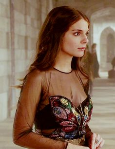 Your Friend Elle: Best and Worst Looks From Reign