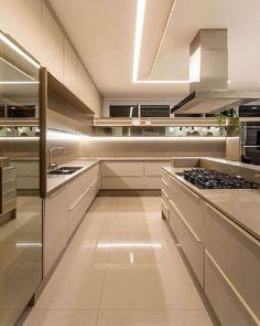 Luxury Kitchen Design, Kitchen Room Design, Home Room Design, Dream Home Design, Kitchen Cabinet Design, Luxury Kitchens, Home Decor Kitchen, Modern House Design, Interior Design Kitchen