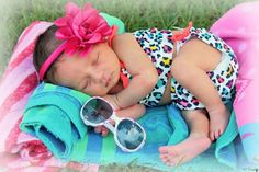 44 Ideas Baby Pictures Beach Girls For 2019 3 Month Old Baby Pictures, Newborn Pictures, Baby Boy Themes, Baby Girl Photography, Children Photography, Photography Ideas, My Little Baby, Cute Outfits For Kids, Boy Outfits