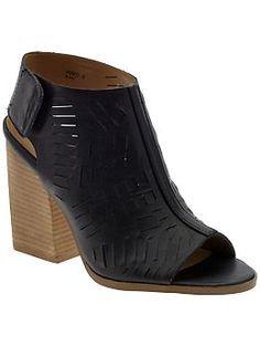 8faf86d389c 9 Best Chunky Heel Sandals images