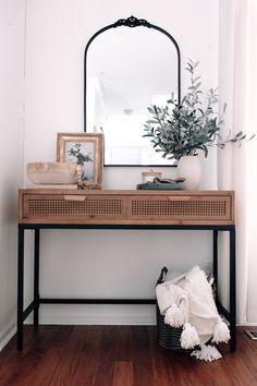 Entryway Table Modern, Hallway Table Decor, Modern Console Tables, Room Decor, Decorate Console Tables, Boho Chic Entryway, Console Table Styling, Entryway Console Table, Decoration