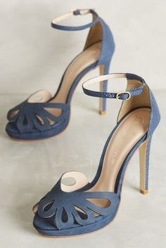 Guilhermina Bella Hells Blue 38 Euro Shoes