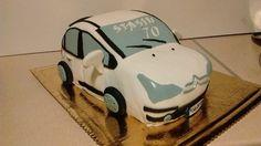 Tort miał być wierną kopią prawdziwego samochodu solenizanta, mimo że go nie widziałam-udało się po paru konsultacjach z córkami ;)        ...