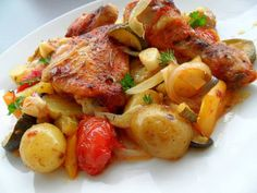 Put everything in a casserole dish, you do not have to worry about more. The simple … - Healthy Recipes! Hungarian Recipes, Cooking Recipes, Healthy Recipes, Savoury Dishes, Casserole Dishes, Pot Roast, Chicken Recipes, Food And Drink, Stuffed Peppers