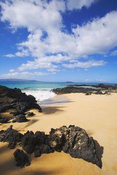 Secret Beach - Hawaii, Maui I wanna find this hidden beach