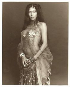 So beautiful....vintage costume that I would love to recreate
