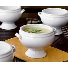 """Footed 4.5"""" Soup Bowl in Top Serving Pieces 