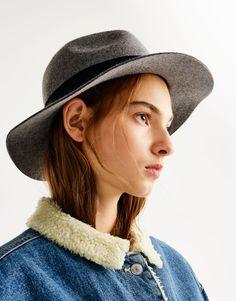 Chapeau ruban - Bonnets et Chapeaux - Accessoires - Femme - PULL&BEAR France