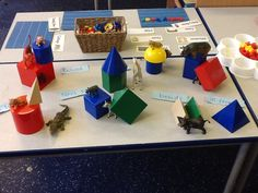 Positional language and 3D shape recognition... And construction!