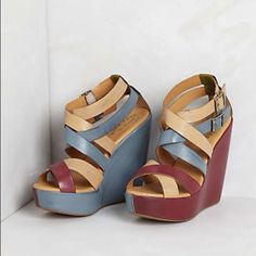 "Anthropologie HAILEY WEDGES Kork-Ease, 9M/40.5 NEW Anthropologie HAILEY WEDGES Kork-Ease, 9M/40.5 NEW - These lightweight, wedges are a strappy mix of natural and colored leathers, which culminate in a pair of double brass buckles at the ankle. - DETAILS: •    Retail $168 •    Color: Multi •    Size: 9M/40.5 EU •    By Kork-Ease •    Adjustable buckle •    Leather upper, insole •    Rubber sole •    5"" leather wrapped heel; 1.5"" platform •    Imported •    Style No. 28024701 •    Brand New –…"