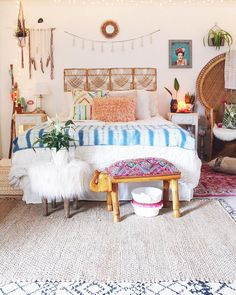 Awesome 20 Cheerful Christmas Dorm Room Decorating Ideas on A Budget – All About Home Decoration Living Room Decor, Bedroom Decor, Budget Bedroom, Modern Bedroom, Decor Room, Bedroom Inspo, Bedroom Ideas, Wall Decor, Cozy Room