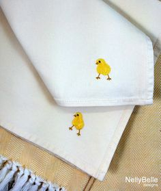 Embroidered napkins for Easter brunch. Tiny chicks are embroidered on cotton napkins. NellyBelle Designs