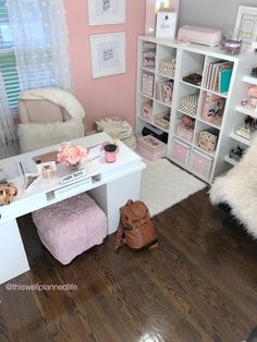 Home Office Inspiration Layout Bedrooms Ideas For 2019 Home Office Space, Home Office Design, Home Office Decor, Closet Office, Office Office, Feminine Office Decor, Pink Office Decor, Design Desk, Office Designs