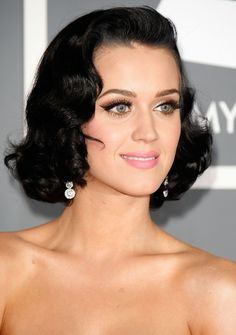 Katy Perry - Gold Lids, Flick Liner, Pinched Cheeks and Bubble Gum Pink on the lips!!